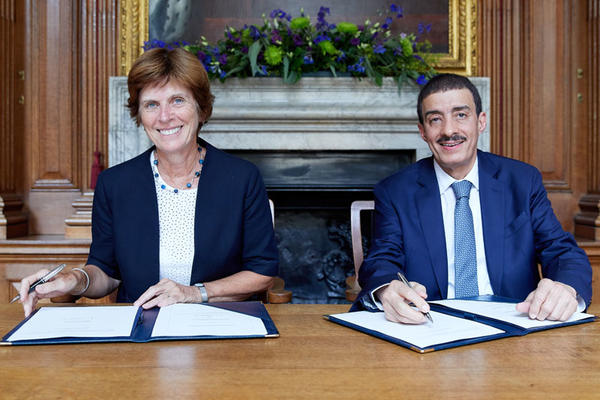 Professor Louise Richardson with Dr Bandar M. H. Hajjar at the signing ceremony